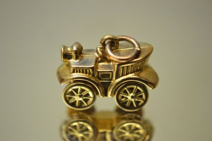 9ct Gold Old Fashioned Car Charm